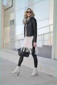 Popular Winter Outfits Ideas Leather Leggings05