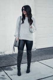 Popular Winter Outfits Ideas Leather Leggings28