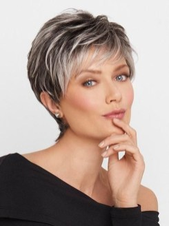 Pretty Grey Hairstyle Ideas For Women25