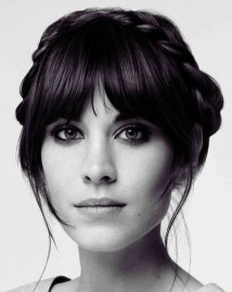 Pretty Hairstyle With Bangs Ideas10