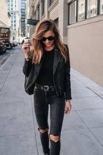 Pretty Winter Outfits Ideas Black Leather Jacket31