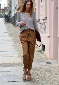 Pretty Winter Outfits Ideas High Waisted Pants11
