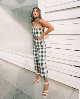 Pretty Winter Outfits Ideas High Waisted Pants21