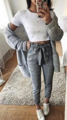 Pretty Winter Outfits Ideas High Waisted Pants33
