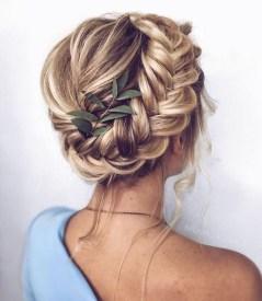 Stunning Summer Hairstyles Ideas For Women10
