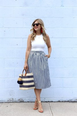 Wonderful Midi Skirt Outfit Ideas For Spring And Summer 201818