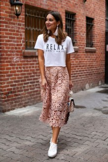 Wonderful Midi Skirt Outfit Ideas For Spring And Summer 201822
