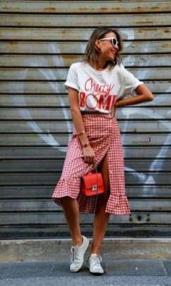 Wonderful Midi Skirt Outfit Ideas For Spring And Summer 201826
