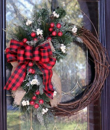 Affordable Winter Christmas Decorations Ideas02