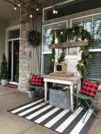 Affordable Winter Christmas Decorations Ideas10