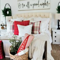 Affordable Winter Christmas Decorations Ideas13