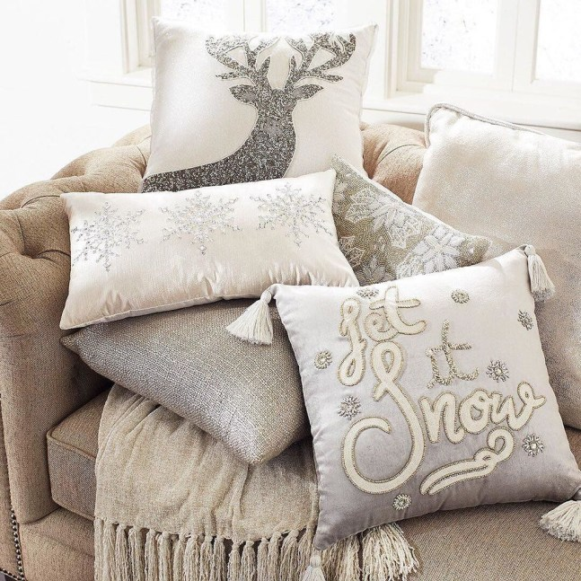 Affordable Winter Christmas Decorations Ideas36
