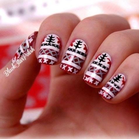 Astonishing Christmas Nail Design Ideas For Pretty Women01