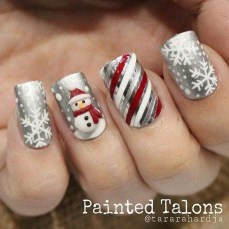 Astonishing Christmas Nail Design Ideas For Pretty Women09