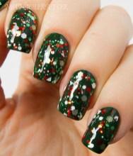 Astonishing Christmas Nail Design Ideas For Pretty Women20