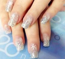 Astonishing Christmas Nail Design Ideas For Pretty Women22