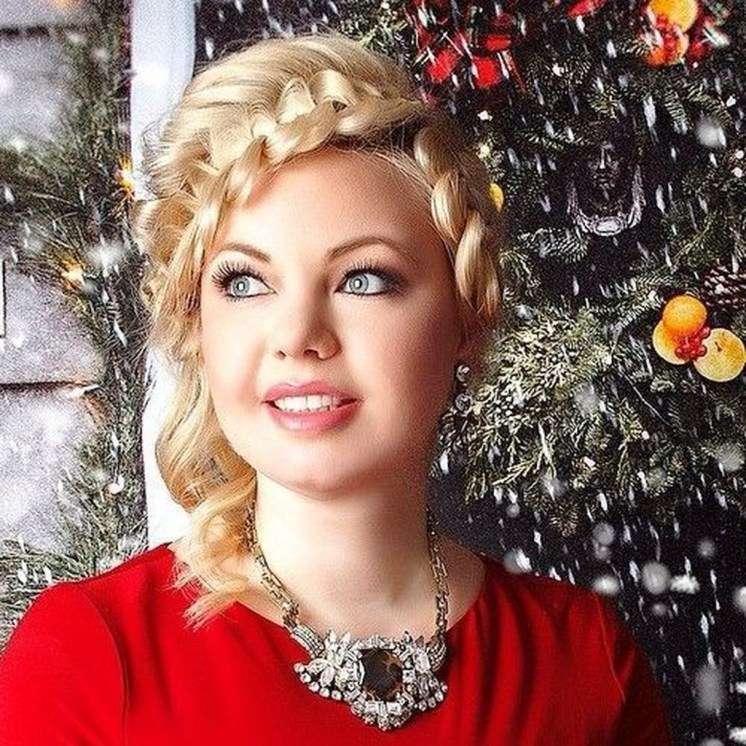 Casual Christmas Updos Ideas01