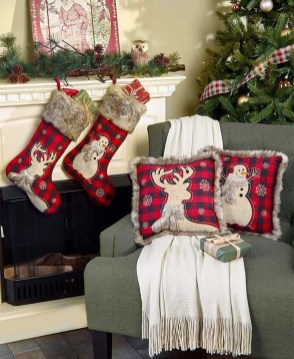Casual Winter Themed Christmas Decorations Ideas24