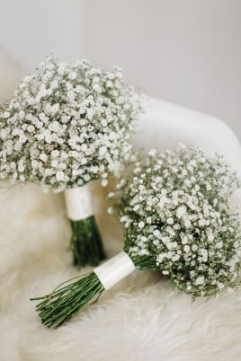 Casual Winter White Bouquet Ideas23