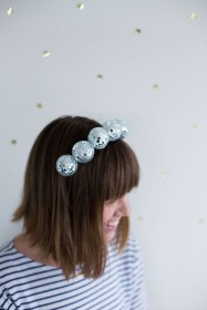 Charming Diy Winter Crown Holiday Party Ideas03
