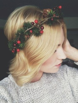 Charming Diy Winter Crown Holiday Party Ideas35