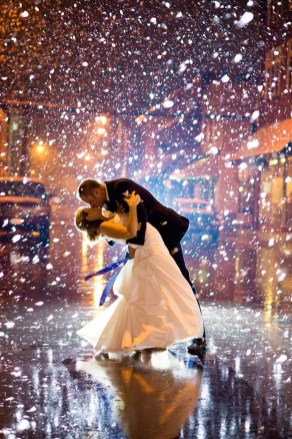 Classy Winter Wedding Ideas26