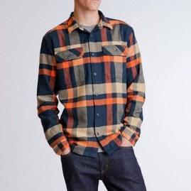 Cozy Plaid Shirt Outfit Christmas Ideas For Handsome Mens11