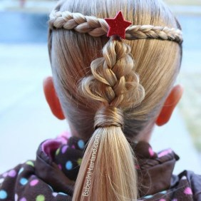 Cute Christmas Braided Hairstyles Ideas04