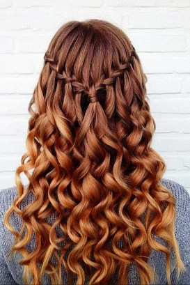 Cute Christmas Braided Hairstyles Ideas25