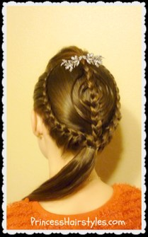 Cute Christmas Braided Hairstyles Ideas37