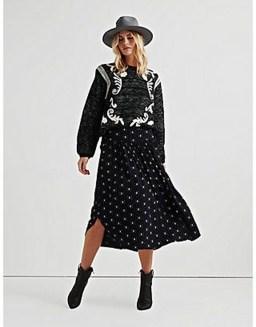 Elegant Midi Skirt Winter Ideas14