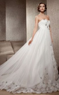 Fabulous Winter Wonderland Wedding Dresses Ideas03
