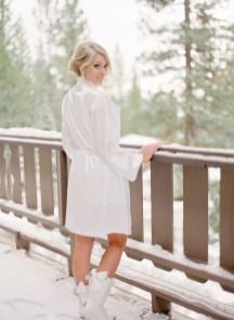 Fabulous Winter Wonderland Wedding Dresses Ideas06