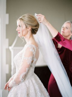 Fabulous Winter Wonderland Wedding Dresses Ideas11