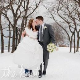 Fabulous Winter Wonderland Wedding Dresses Ideas22