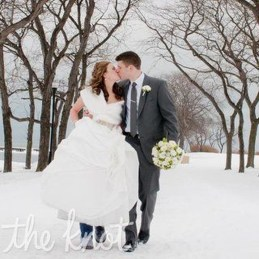 Fabulous Winter Wonderland Wedding Dresses Ideas22