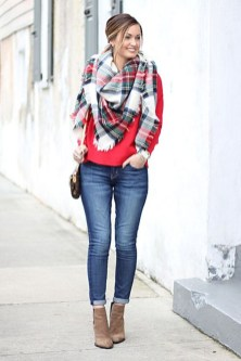 Incredible Holiday Style Christmas Outfit Ideas12