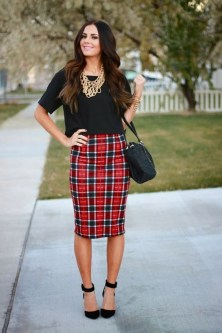 Incredible Holiday Style Christmas Outfit Ideas14