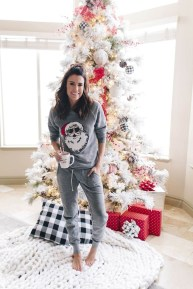 Incredible Holiday Style Christmas Outfit Ideas20