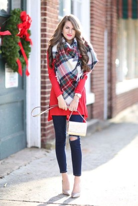 Incredible Holiday Style Christmas Outfit Ideas25