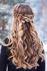 Latest Winter Hairstyle Ideas12