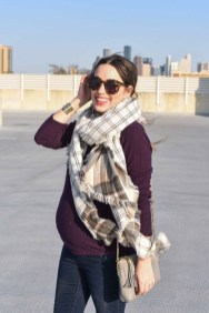 Lovely Maternity Winter Outfits Ideas13