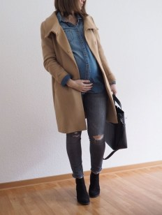 Lovely Maternity Winter Outfits Ideas38