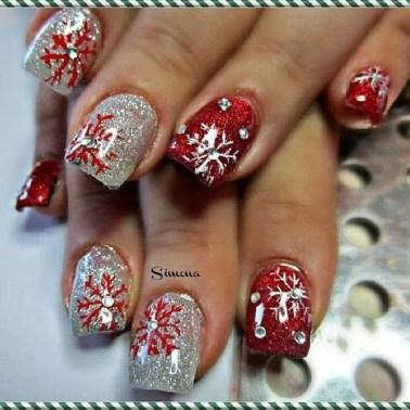 Modern Christmas Nails Ideas02