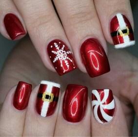 Modern Christmas Nails Ideas40
