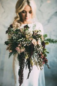 Modern Rustic Winter Wedding Flowers Ideas18