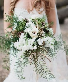 Modern Rustic Winter Wedding Flowers Ideas29