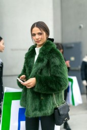 Stylish Emerald Coats Ideas For Winter03