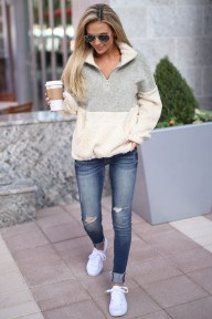 Adorable Winter Outfits Ideas With Jeans22