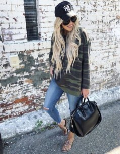 Adorable Winter Outfits Ideas With Jeans35